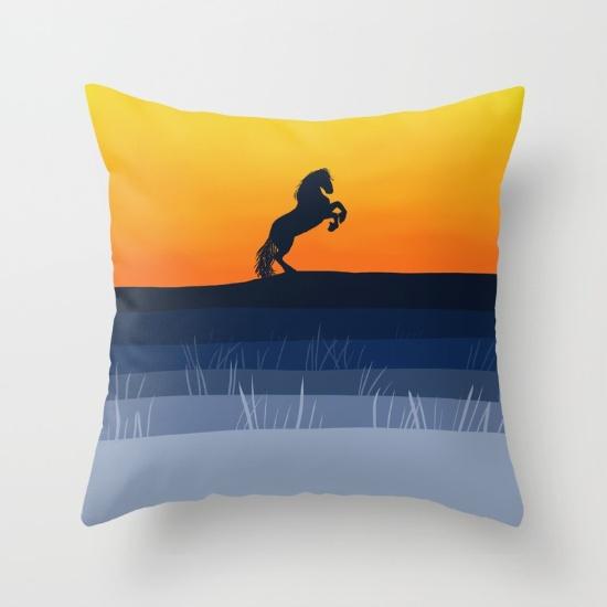 horse-rearing-up-pillows